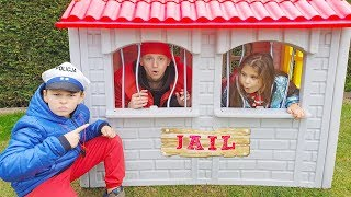 Ali Pretend Play LOCKED UP Adriana in Jail Playhouse Toy for Kids
