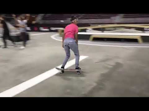 Hardflips never looked so good @mariahduran_ 🎥 : @elijahdur #wcw | Shralpin Skateboarding