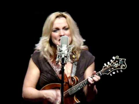 Rhonda Vincent - Lonesome Wind Blues