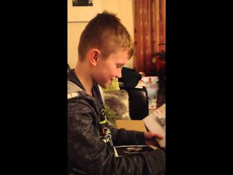 Watch little boy's adorable reaction as he finds out his mum is pregnant