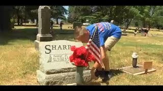 A Young Man Thanks our Nations Fallen Heros