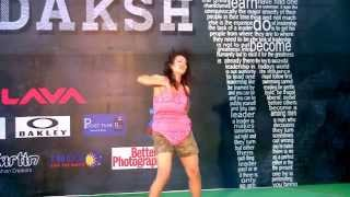 DU Girl dancing at Mridaksh, Antaragni'14  IIT Kanpur