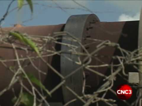 TCL disposes of tyre litter.flv