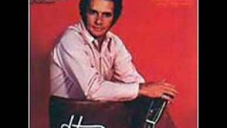 Watch Merle Haggard Seashores video