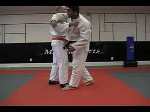 Judo: Ashi Waza: Osoto Makikomi:: Major Outer Wrap Around Image 1