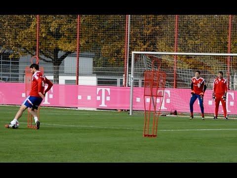 Dribblings und Torabschlüsse - FC Bayern München Training - shooting skills and saves