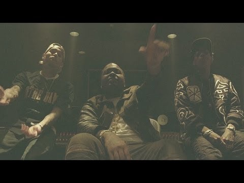 Sean Kingston - Beat It (ft. Chris Brown & Wiz Khalifa) (Official Video) [In Studio]