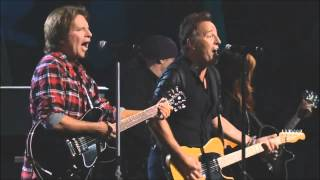 JOHN FOGERTY & BRUCE SPRINGSTEEN perform Pretty woman (HD 720)