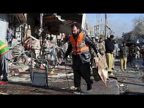'Suicide bomber' strikes Pakistan polio centre