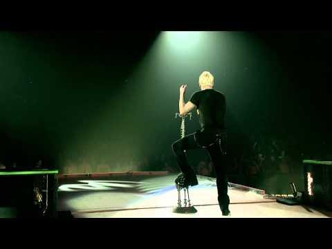 Thousand Foot Krutch - Fire It Up (Live)