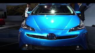 2020 Toyota Prius Hybrid XLE | Exterior and Interior Walkaround & First Look | Los Angeles Auto Show