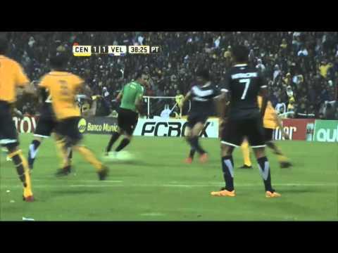 Vélez frenò a Central en Rosario