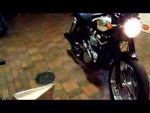 triumph bonneville Video