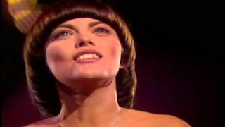 Watch Mireille Mathieu Die Liebe Kennt Nur Der video