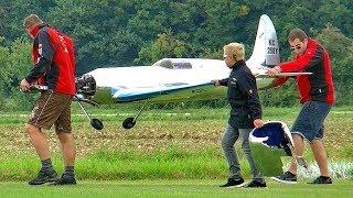 2X GIANT RC HUGHES H1 RACER 1X CRASH 1X SHOW FLIGHT PRESENTATION