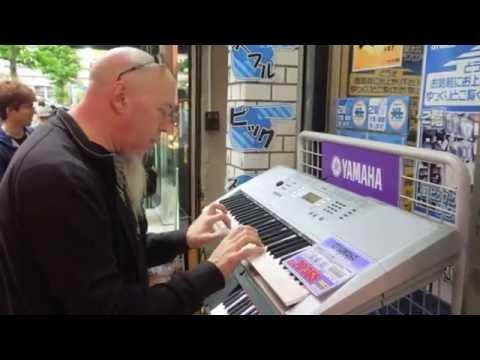 Jordan Rudess visited Music instruments town,Ochanomizu,Tokyo (10/21/2...