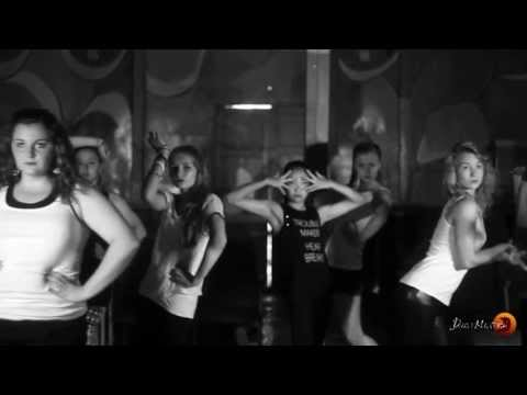 Школа танцев Спб ДэнсМастерс представляет класс по Voque