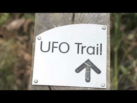 30-year Brit UFO tapes released (Rendlesham Forest) / 2010.11.02 The Sun