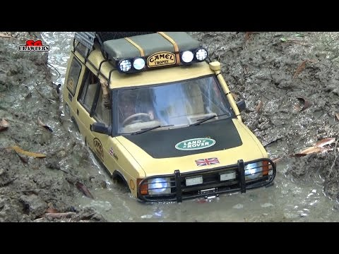 Land Rover Discovery RC truck in the mud trails 4x4 Offroad RC4WD Action!