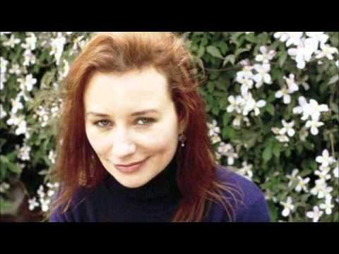 Tori Amos - Walking With You