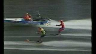 Ken Hoy nearly falls @ 100mph next to Island Cooler - 1989 Grafton Bridge to Bridge Water Ski Race