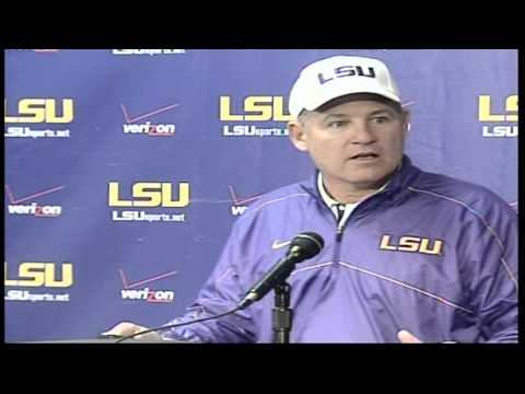 Emotional Les Miles - Classic Press Conference mpg