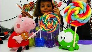 Видео с игрушками. Маленькая ведьма Кати. Свинка Пеппа и подарок для Кати. Видео для девочек