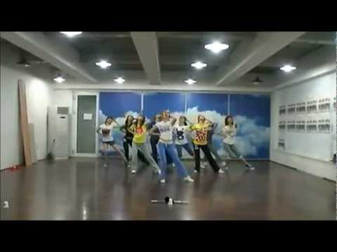[hd] Genie (mirrored Dance Practice) - Snsd [소녀시대] video