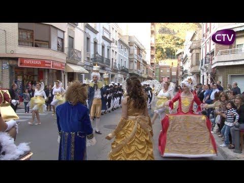 LA CAVALCADA DE DISFRESSES L'ACTE MÉS PARTICIPATIU DE LES FESTES