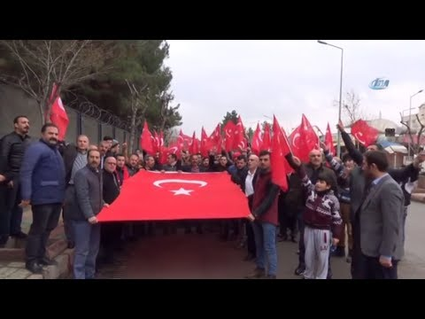 Cuma Namazı Sonrası Toplanan Vatandaşlar Askerlik Şubesine Dilekçe Verdi