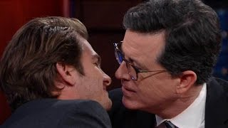 Watch Andrew Garfield Recreate His Golden Globes Kiss With Ryan Reynolds... With Stephen Colbert!