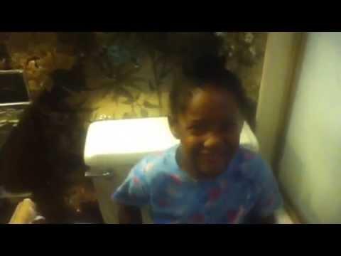 Toilet singer - YouTube