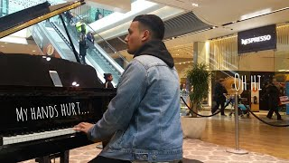 Amazing Piano Medley At Mall!!! (UK)Tokyo Ghoul, River Flows In You, Naruto, Interstellar