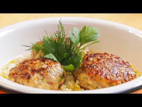 Рыбные котлеты с булгуром и сливочным соусом. Котлеты в духовке.