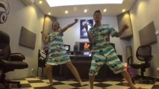 2 vợ chồng teen nhảy cực hài