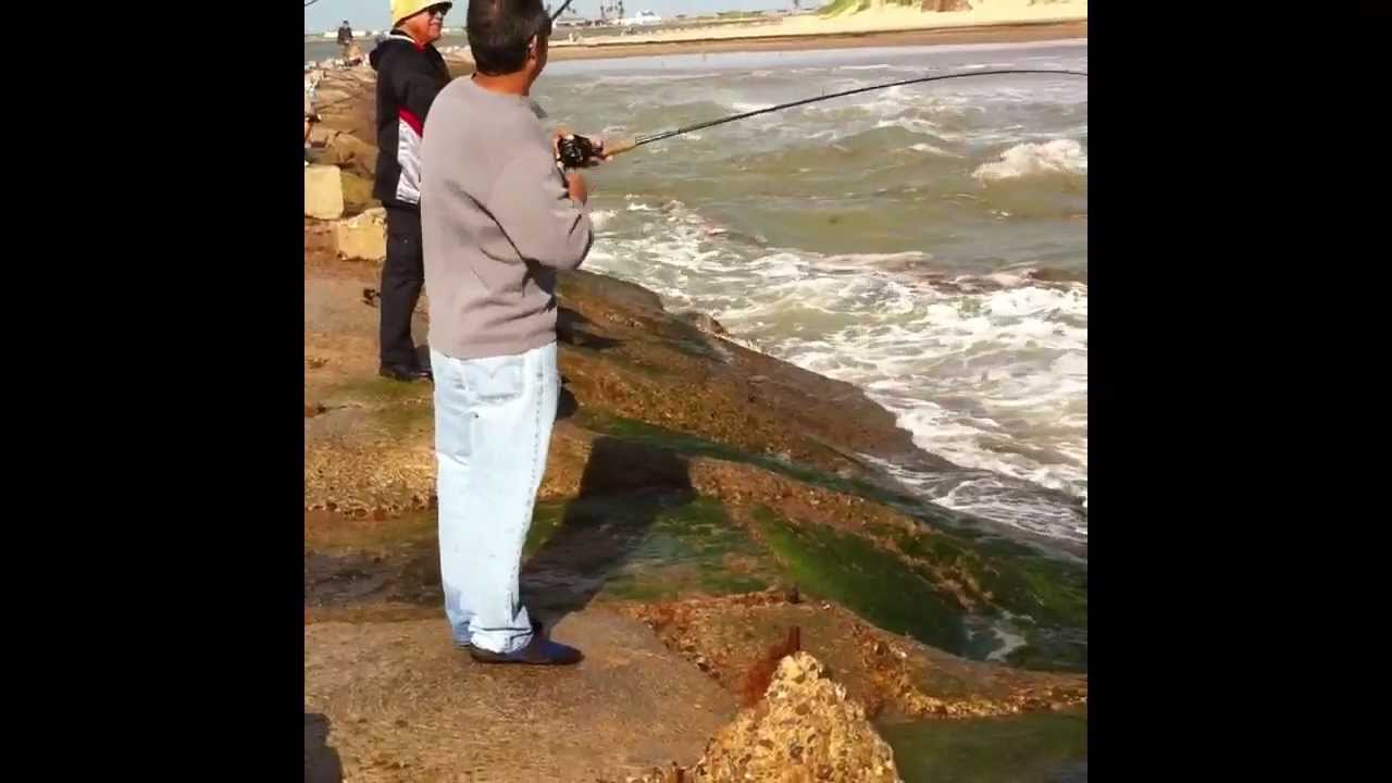 South padre island fishing at the jetties youtube for South padre island fishing report