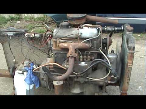 Mercedes Benz 170 D / 180D engine cold start and run.