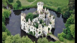 6,500 people buy crumbling castle