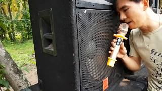 Test thiết bị chống hú micro - Feedback XTR 2.0 - đứng sát loa hát không bị hú rít