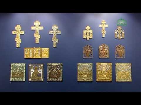 Зрителю представлены меднолитые кресты, иконы и складни, выполненные Родионом Хрусталевым