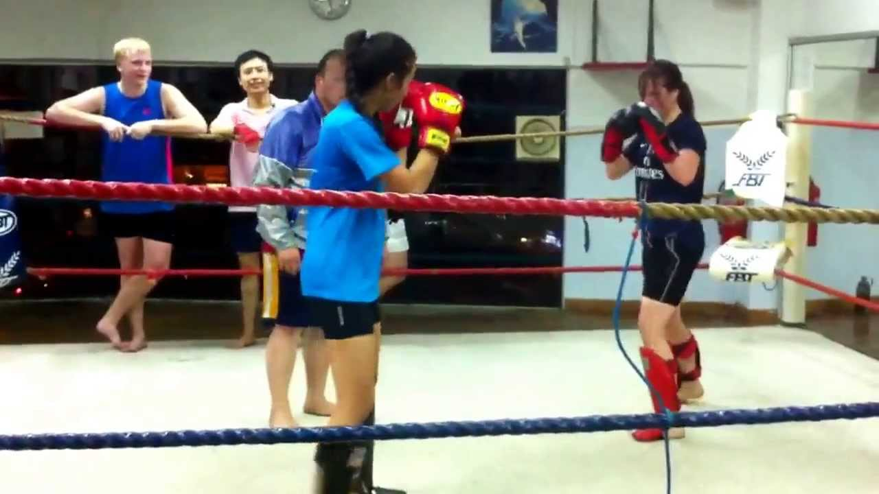 Muay Thai Sparring Knockout Muay Thai Sparring Jenny vs