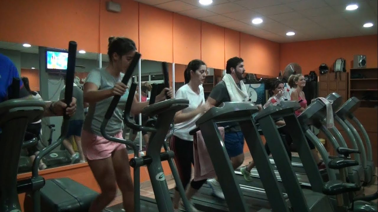 Reportaje gimnasio atabal m laga 2013 youtube for Gimnasio malaga