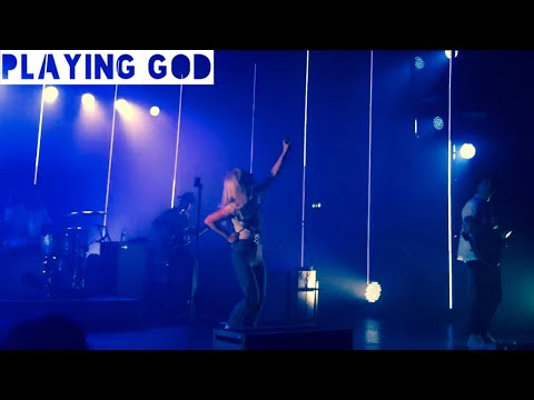 Paramore - Playing God (Live at the Manchester O2 Apollo)