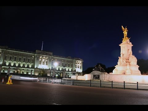 London - Buckingham Palace and Queen Victoria Memorial