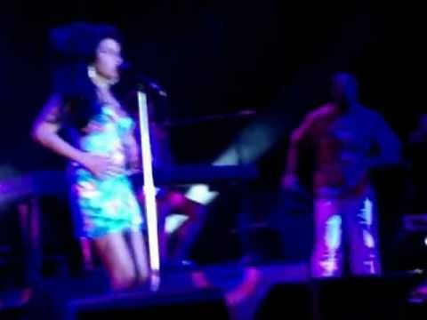 Amy Winehouse Live - Rio, Brazil - 11.01.2011 - Back to Black, Tears Dry and Bou