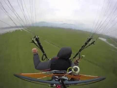 Wet and fun paramotoring