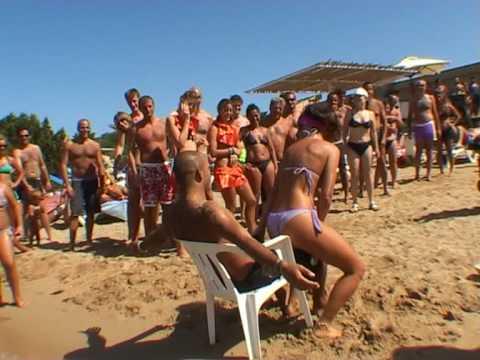 video hot in italiano cornuto guarda