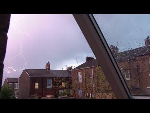 Wirral Thunderstorm - extreme uk weather (thunder, lightning)