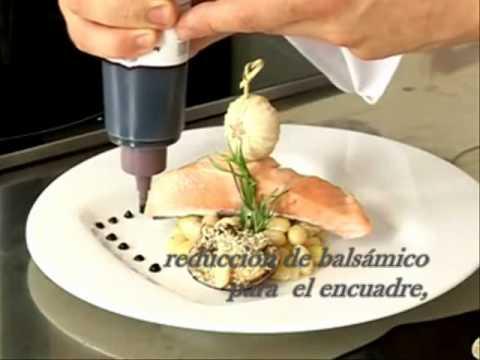 Tres presentaciones para un plato youtube for Decoracion de platos gourmet pdf