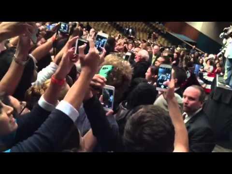 Luanda shakes Bernie Sanders hand